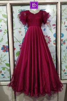 Gown Party Wear, Party Wear Indian Dresses, Indian Fashion Dresses, Indian Gowns Dresses, Dress Indian Style, Indian Designer Outfits, Party Wear Frocks, Kids Party Wear Dresses, Girls Frock Design