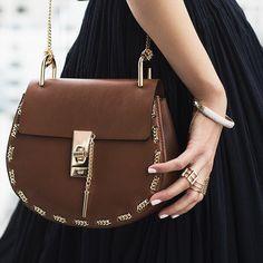 Notre sélection de sacs Chloé sera bientôt en ligne #fashionstyle #inlove #leasyluxe