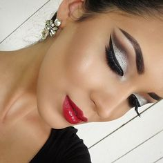 So Glam by @boobista we love these bold eyes and gorgeous lip duo