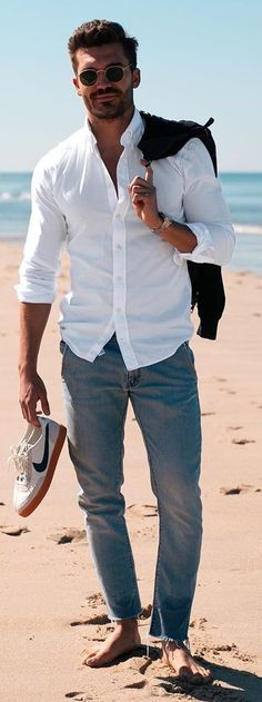 White Shirt Outfit Ideas for Men White Shirt Outfits, Denim Outfit, Mens Fashion Blog, Men's Fashion, Fashion Tips, Classic White Shirt, Men's Wardrobe, How To Look Classy, Casual Looks