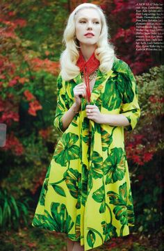 Rosie Crawford by Carolyn Haslett for Fashion Quarterly Feather Coat, Spring Summer Fashion, Retro Fashion, Aurora Sleeping Beauty, Poses, Disney Princess, Disney Characters, Lady, Photography