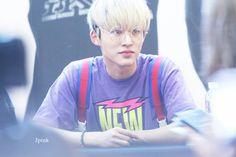 Hanbin in glasses i'm sHoOK