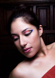 Makeup: Mariana Tarin Photographer: Karla Fassio #eyeliner #color