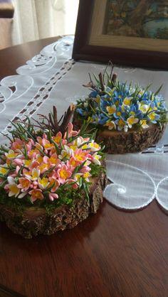 Polymar clay flowers-SÜMBÜL ELDEK Cute Polymer Clay, Polymer Clay Flowers, Polymer Clay Jewelry, Clay Art Projects, Polymer Clay Projects, Vase Crafts, Decor Crafts, Fake Flowers, Diy Flowers