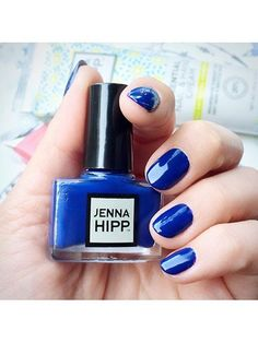 """The best """"five-free"""" nail polishes - including Jenna Hipp nail polish in American Pie 5 Free Nail Polish, Nail Polish Designs, Jenna Hipp, Polish People, Makeup Designs, Makeup Ideas, Nail Candy, Beauty Packaging, Clean Beauty"""
