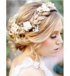 Idée coiffure de mariage : un chignon tressé - Cosmopolitan.fr