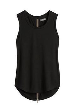 Dear stitch fix stylist: I like wearing black tops with jeans. I love that black is easy to dress up or dress down, depending on the need. Work Fashion, Spring Fashion, Fashion Outfits, Womens Fashion, Fashion 2018, Fashion Clothes, Mode Monochrome, Fix Clothing, Stitch Fix Outfits