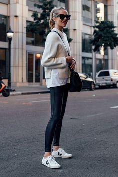 White Fashion Sneakers, Sneakers Fashion Outfits, Sporty Outfits, Mode Outfits, Leggings Fashion, Black Sneakers Outfit, Fashion Black, Street Fashion, Tennis Outfits