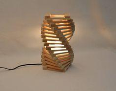Lámpara de mesa de diseño en madera de roble, lámpara de escritorio moderno trenzado, Rodron por Lune et Animo
