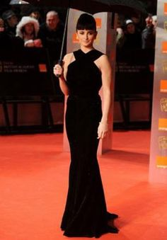 Penelope Cruz .....she reminds me of Audrey Hepburn here......
