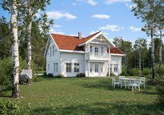 Et landlig og klassisk hus med sjarmerende balkong, overbygget inngangsparti og mange vinduer. Her kan du glede deg til å invitere slekt og venner på besøk. House Ideas, Cabin, Mansions, Architecture, House Styles, Bukowski, Home Decor, Country House Plans, Farmhouse