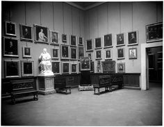 """Ieri. I musei"": allestimenti del passato nelle foto storiche  MonnaLisa was displayed at the Uffizi Gallery in 1913!"