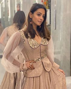 Sleeves Designs For Dresses, Fancy Blouse Designs, Choli Designs, Sari Blouse Designs, Lehenga Designs, Designer Party Wear Dresses, Kurti Designs Party Wear, Indian Designer Outfits, Sari Design