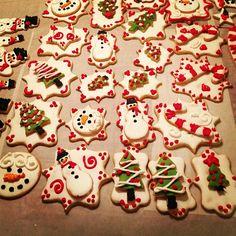 Beautiful double-decker #cookies! Photo by priscillablain on Instagram #wiltonchristmas #shareyourcreativity