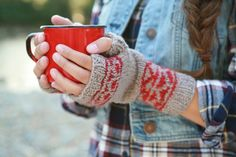 Ravelry: Tolt Mitts pattern by Andrea Rangel    Lovely