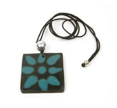 Quelepa Necklace - Turquoise Flower   http://www.enloops.com/Quelepa-Necklace-Turquoise-Flower/dp/B009I9HJ30