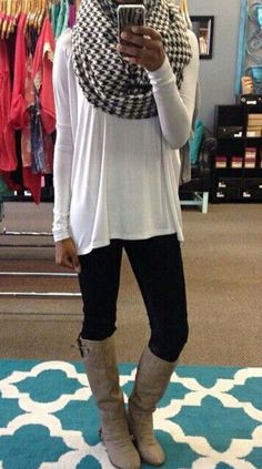Simple outfit for fall :) lie big scarfs! #leggingsoutfit