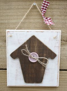 KR Creatives: Handmade Signs. Love your garden and birds... This gorgeous handmade wooden bird hut plaque is ideal for you or for a loving gift. Item is 100% handmade by KR Creatives with love and care. Can be personalised for your home or your favourite colours. 100% handmade in Britain!