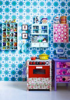 To live in a dolls house all cluttered and colourful...perfection x