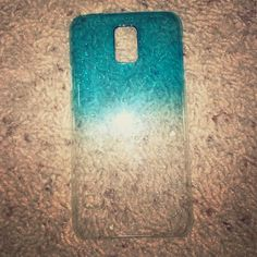 Galaxy 5 blue to clear ombré It has water ripples on the case, blue to clear ombré. In great condition. No longer using because I switched to iPhone. Listed as otterbox to get more exposure. OtterBox Accessories Phone Cases