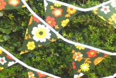 funky retro double sided bunting vintage floral fabric approx 3.5 metres