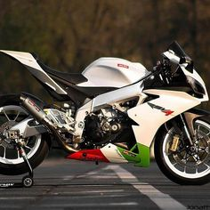 The Aprilia in white, but also an amazingly competent sport motorcycle. Ducati, Custom Sport Bikes, Honda, Scooter Motorcycle, Speed Bike, Sportbikes, Hot Bikes, Street Bikes, Bike Life