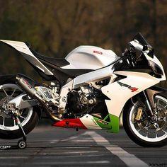 #Italian #Style #Aprilia RS4