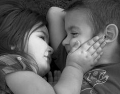 """""""Pequenas Epifanias"""": Amigo é uma agenda que se torna diário. (Carpinejar)"""