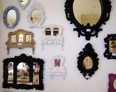espelhos e molduras vintage coloridas