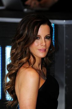 Kate+Beckinsale+Long+Wavy+Cut