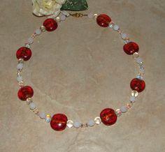 K 619 - Schön und elegant - Perlenkette  by perlenfee, Hier habe ich   Glasperlen mit Silberfoil wunderschöne facettierte milchig-weisse Glasperlen irisierende ...