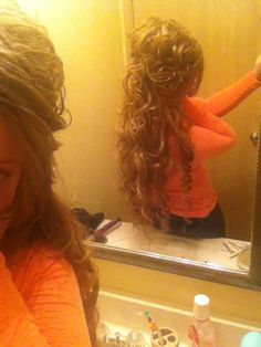 easy styles for curly hair Longues coiffures 0 Eyl 2018 Long hairstyles 0 If you have a natural curly hair type, or if you rea. , easy styles for curly hair , , image_alt] Church Hairstyles, Diy Hairstyles, Pretty Hairstyles, Pentecostal Hairstyles, Curling Hair With Wand, Curly Hair Types, Beautiful Long Hair, Big Hair, Hair Dos
