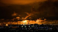 Shell shuts production at Europe's largest refinery in Rotterdam after massive fire (PHOTO, VIDEO) https://tmbw.news/shell-shuts-production-at-europes-largest-refinery-in-rotterdam-after-massive-fire-photo-video  Published time: 31 Jul, 2017 04:17A massive fire erupted at Shell's refinery in Rotterdam, in the Netherlands, causing a blackout and forcing the company to halt all loadings at least till Tuesday. The extent of the damage to the plant has yet to be assessed.The source of the huge…