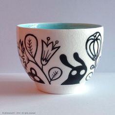 engobe and glaze on porcelain bowl. H. 7 cm, diameter 9,5 cm. © philomene251-2014-all rights reserved