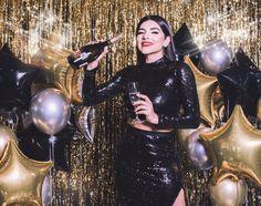 Girl Birthday, Birthday Ideas, Disco Theme, Birthday Balloon Decorations, Glam Girl, Mylar Balloons, Aesthetic Hair, Fashion Poses, Girl Photography Poses