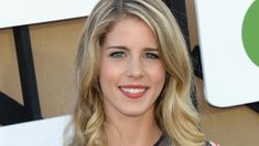 Her Cast, Felicity Smoak, Emily Bett Rickards, Canadian Actresses, The Cw, Supergirl, Bollywood, Fit, Season 8