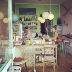 Café Liebling   Munich ...they made such good use of such a tiny local!