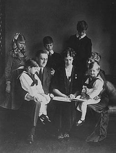 Franklin D and Eleanor Roosevelt with their family. They had six children together by one of them, Franklin DelanoJr., died as an infant.