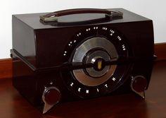 Vintage Television, Television Set, Medina Ohio, Antique Radio, Oral History, Vacuum Tube, Auction Items, Art Deco Era, Fujifilm Instax Mini
