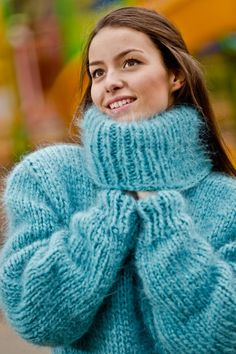 ____________ COLOUR : Blue ( There may be a slight difference because of the different monitors' representation) ____________ ♥ In the picture the model is wearing a garment with these measur Thick Sweaters, Hand Knitted Sweaters, Cool Sweaters, Winter Sweaters, Blue Sweaters, Fluffy Sweater, Mohair Sweater, Gros Pull Mohair, Oversized Pullover