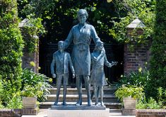 Princesa Diana, Lady Sarah Mccorquodale, Diana Statue, Lady Jane, Real Family, Madame Tussauds, Princess Of Wales, Three Kids, Prince Charles