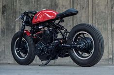 Yamaha Virago custom with blacked out engine, custom subframe/seat and firestone. - Cars and motorcycles - Motorrad Cb 750 Cafe Racer, Sportster Cafe Racer, Cafe Racer Honda, Cafe Racer Style, Cafe Bike, Custom Cafe Racer, Cafe Racer Build, Cafe Racer Bikes, Cafe Racer Motorcycle