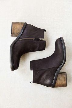 Silence + Noise Chunky Zipper Boots