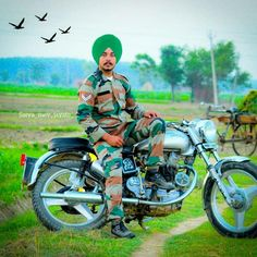 Army Couple Pictures, Punjabi Men, Indian Army Quotes, Fuji, Night