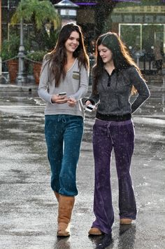 Kendall+Jenner+wearing+Juicy+Couture+Velour+Snap+Pocket+Pants+and+Ugg+Classic+Tall+Boots+in+Chestnut.