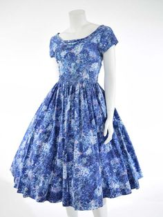Classic mid-century vintage clothing, vintage designer clothing, pinup dresses, 40's fitted suits, 50's swing dresses, 60's and 70's mod and bohemian dresses, sexy vintage sundresses, elegant evening gowns, glamorous cocktail and party dresses, prom dres