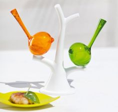 If you are one of those who prefer ecologically inclined goods, the Tree #Salt&Pepper Set can be a latest addition for your #diningtable.