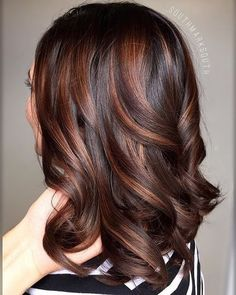 Hair lob Balayage comin' in hot! 💣🔥✨✨ Toned with + matrix ColorSync. Balayage comin & # in heißem ! Hair Color For Women, Hair Color For Black Hair, Brown Hair Colors, Hair Color Auburn, Auburn Hair, Brown Hair Balayage, Hair Highlights, Brunette Hair, Great Hair