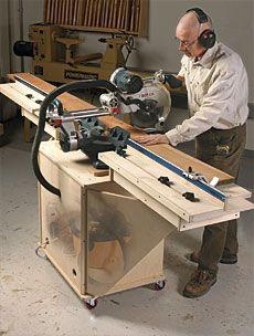 Sliding miter with vacuum below