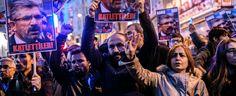 Tahir Elci è morto a Diyarbakir nel corso di una sparatoria fra attentatori e forze di polizia al termine di una sua conferenza stampa in strada. Vittima anche un poliziotto, feriti diversi giornalisti. A ottobre era stato arrestato ed era in attesa di processo per aver